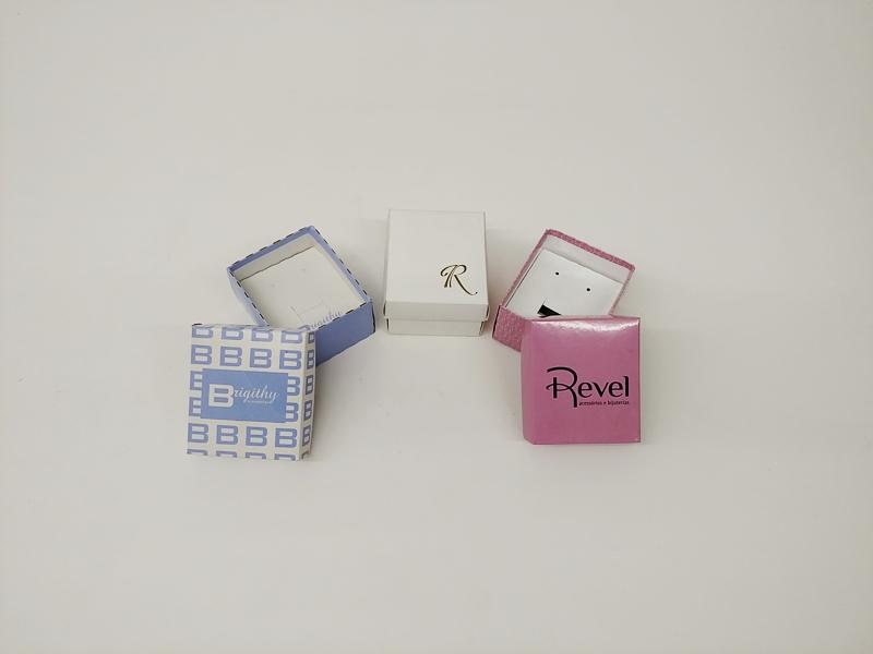 caixa 6,5x7,5x4,5 brinco