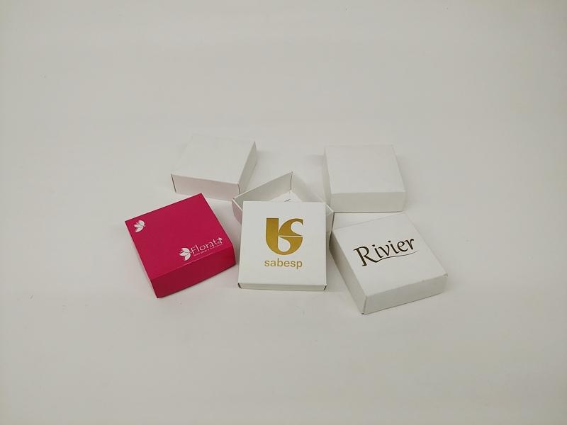 caixa 7,5x7,5x3